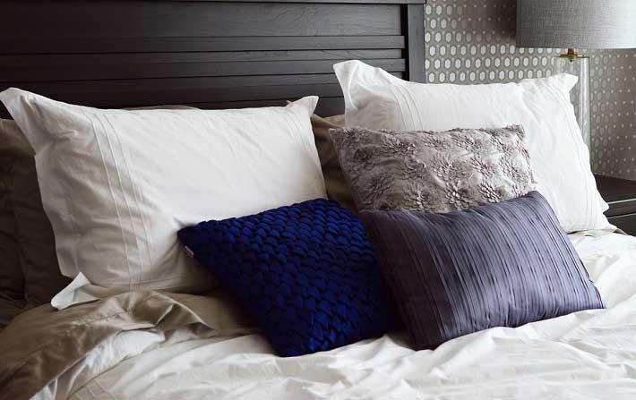 Bed-Pillows