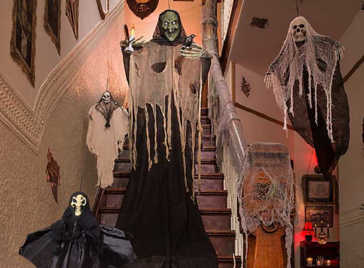 haunted-house-halloween-party