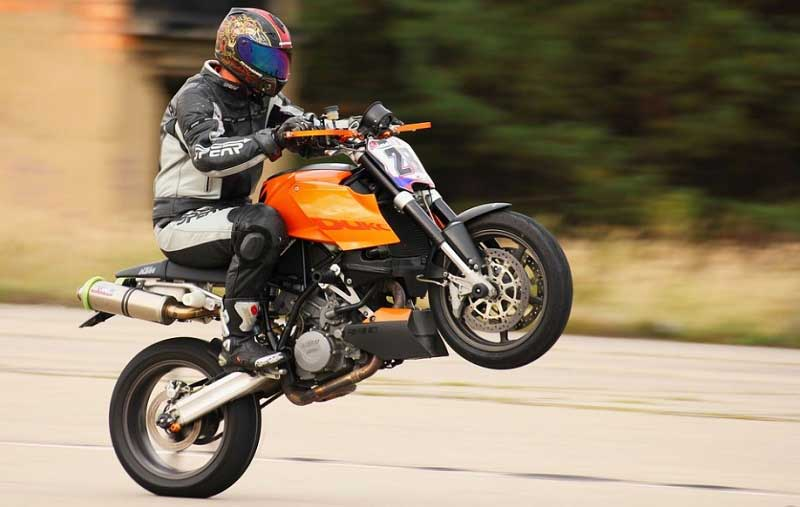 Tips on How to Buy a Motorcycle Jacket for Men?
